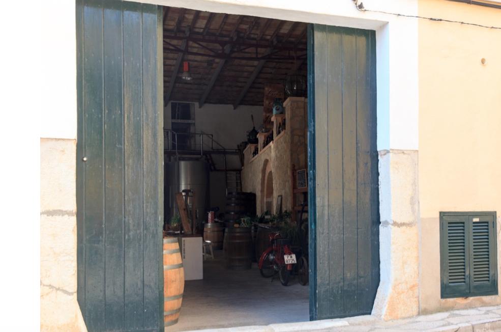 Traditionelles Familien Weingut mit Herz